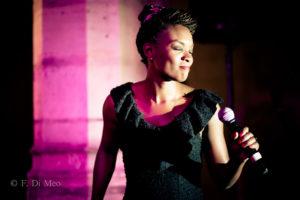 liza chanteuse