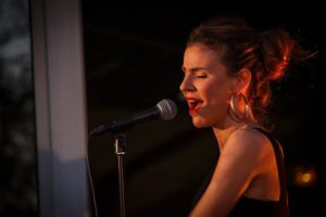 chanteuse Marion